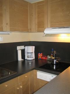 The fully fitted kitchen includes hob, oven, microwave oven, coffee maker, toaster, dishwasher etc