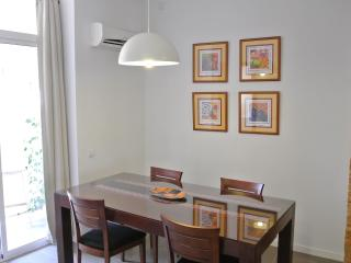 Dining area - ample space with air-com