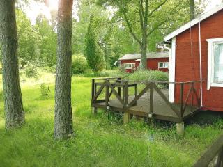 DRÖMLÄGE PÅ Ö MED STOR BRYGGA, EGET HUS & ALTAN, Estocolmo