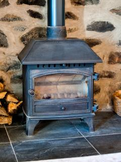 Warm and cosy Logburner
