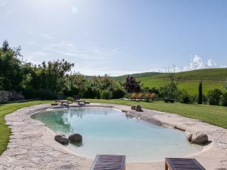 Charming Tuscan villa with pool, Montalcino, Siena
