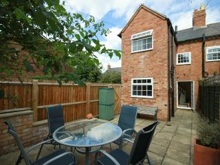 Stratford Upon Avon town centre cottage
