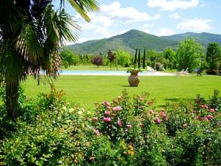 Castiglion Fiorentino Villa Sleeps 4 with Pool - 5229117