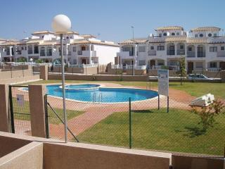 A 3 bed townhouse in La Cinuelica R11, Calle Almohabenos overlooking pool