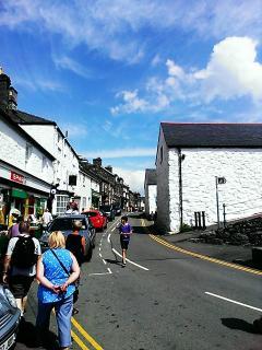 Harlech Stryd Fawr (High Street)