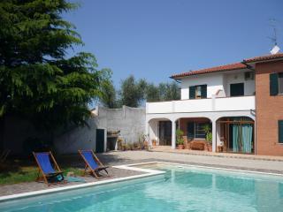 piccolo appartamento in villa, San Vincenzo