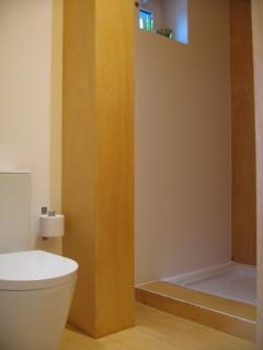 toilet suite 2