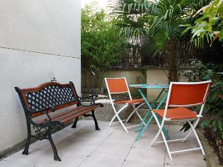 Charming studio + terrace Paris near metro, Asnieres-sur-Seine