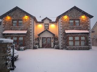 Avlon House in the Snow