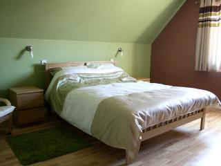 king (master) bedroom (upstairs)