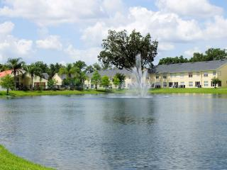 Lovely Condo with Wireless Internet, 4 miles to Disney, Kissimmee
