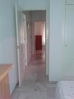 detalle distribuidor dormitorios y baño