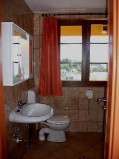 Bathroom of the apartment no. 3