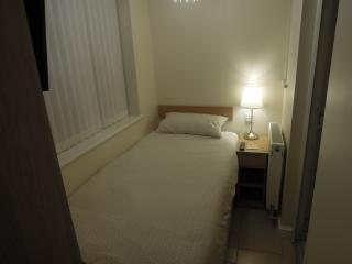 Single room with en suite  Apt 1