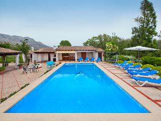 WONDERFUL LARGE VILLA WITH LARGE POOL AND GARDEN FOR COMPLETE RELAXATION