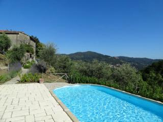 Grand, rustic Tuscan villa with stunning views and private swimming pool, sleeps 8