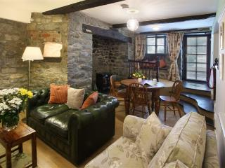 Vulcan Lodge - the Searle Holiday Cottage, Llanwrthwl