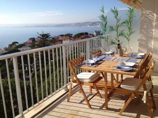Idyllic sea view newly refurbished holiday apartment with pool acces