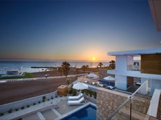 Pafos Elite Seafront Villa & optional Pool heating - #PCS