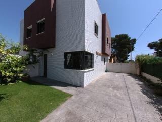 Townhouse next to the beach, Miami Platja