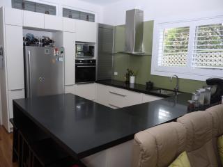Bayside Sydney  2 bedrooms.  Minimum 1week booking for June to August
