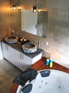 Absolutely no artificial material used in this villa. Check these sinks of marble.