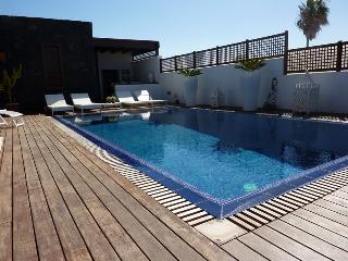 Luxury Villa Lanzarote Puerto, Playa Del Cable