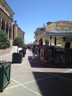 Nearby Citta Sant Angelo great for the weekly market and a gelato