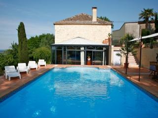 Villa - pool - vineyard view