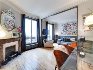 Beautiful apt/Montmartre Opera,Trendy neighbourhood,10 mn-walk from Gare du Nord