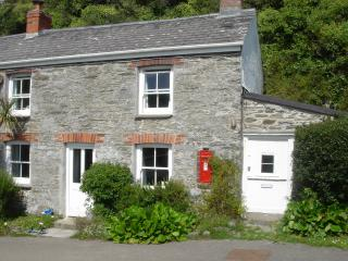 1 Cliff Cottage, Roseland Peninsula