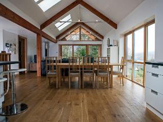 Rathad an Drobhair - rural lodge with view in beautiful Highland glen