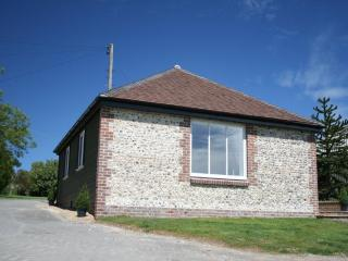 GALLOPS FARM HOLIDAY COTTAGES FINDON - 'Monkey Puzzle Cottage'