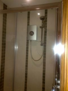 Difficult to take a meaningful picture of a shower, but hopefully you get the idea!