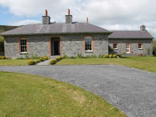 Deelin Mór Lodge, stunning, spacious, gt views