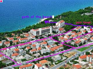 Rooms No.1 & Room No.2 with mini kitchen + balcony, Makarska