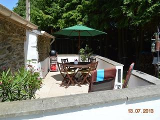 Kerneatret le Petit - 2 bedrooms with private pool, Chateauneuf du Faou