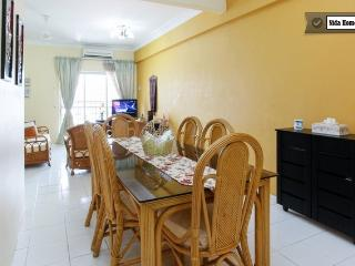 4 Bedrooms Holiday Apartment