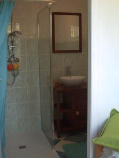 Salle de bain chambre du rez de chaussée