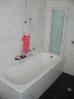 Grande vasca nel bagno padronale