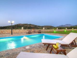 Villa Ioanna, Luxury Holidays!, Panormos
