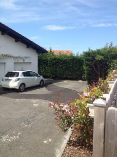 Parking privé et sécurisé.