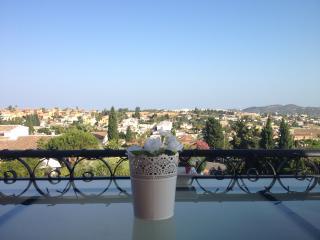 Mijas Costa - Modern & Private Villa, Pool, **Enjoying Summer Sun All Day Long**