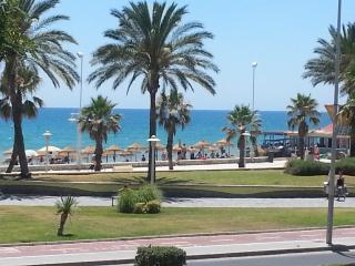 Beachfront 4 bedrooms apartmen, Malaga