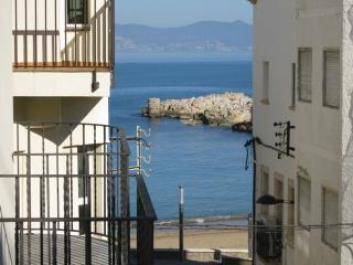 Costabravaforrent Farina 1, up to 6, 50m to beach