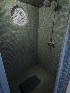 Twiga Shower Cubicle