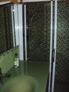 bagno cameretta con doccia