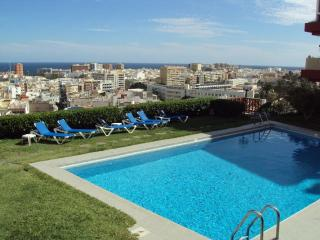Apto con piscina y vistas mar, Las Palmas