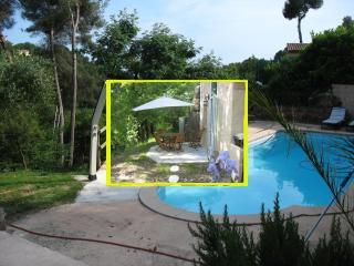 quiet with pool near sea, La Gaude