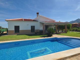 Fantastic Country Villa. Private Swimming Pool. Spectacular Views! Wifi. Aircon
